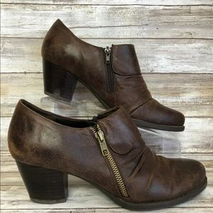 Bare Traps 10M Rosamund Pleated Brown Booties
